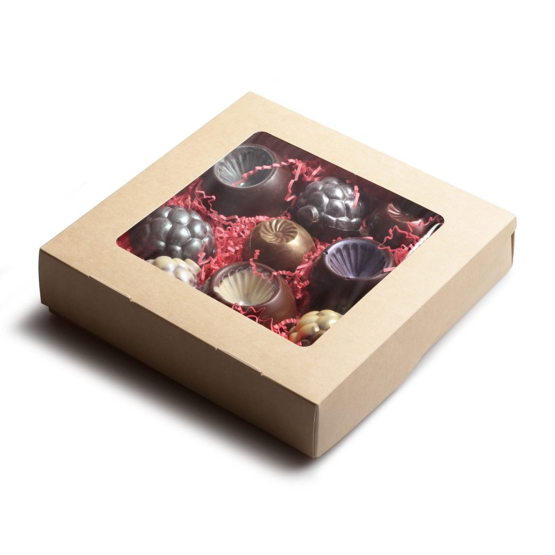 Коробка шоколадных новогодних игрушек 9