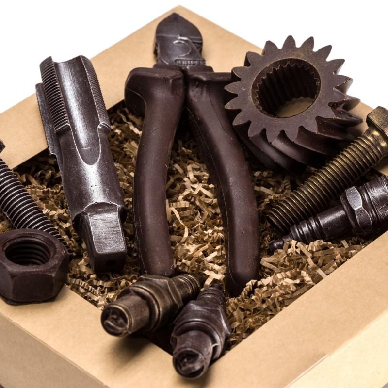 Инструменты из шоколада в подарок