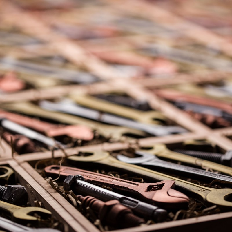 Тираж шоколадных инструментов
