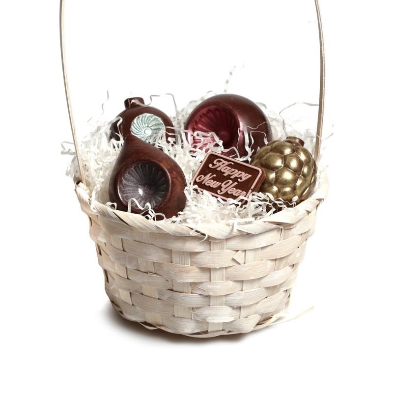 Корзинка с шоколадными игрушками № 1