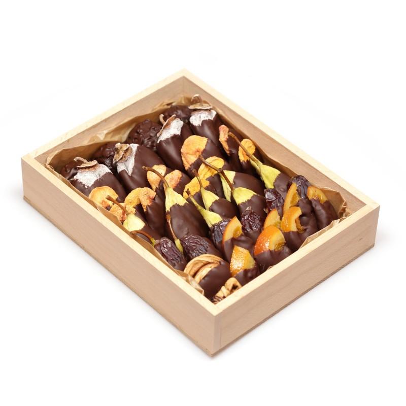 коробка конфет ручной работы (сухофрукты)