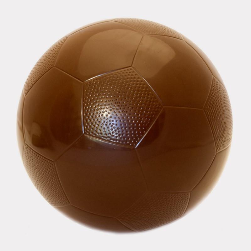 Шоколадный футбольный мяч в натуральную величину